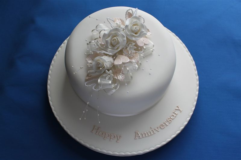 Cake Ideas For Pearl Wedding Anniversary : Our special Anniversary Cakes - Vallum House Cakes